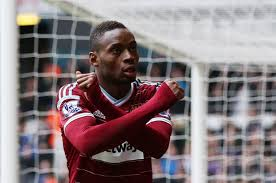 Sakho puts the hammers 2 up !