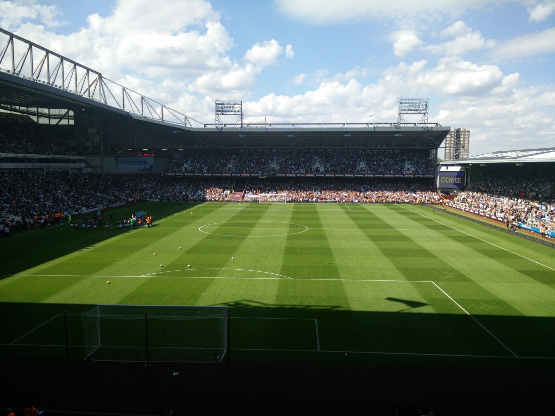 Sun drenched Upton Park for probably the last time this year