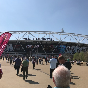 Sun's Out, Game's On !